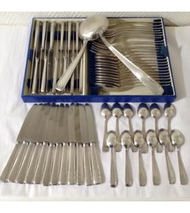 Ménagère complète 62 pièces en métal argenté