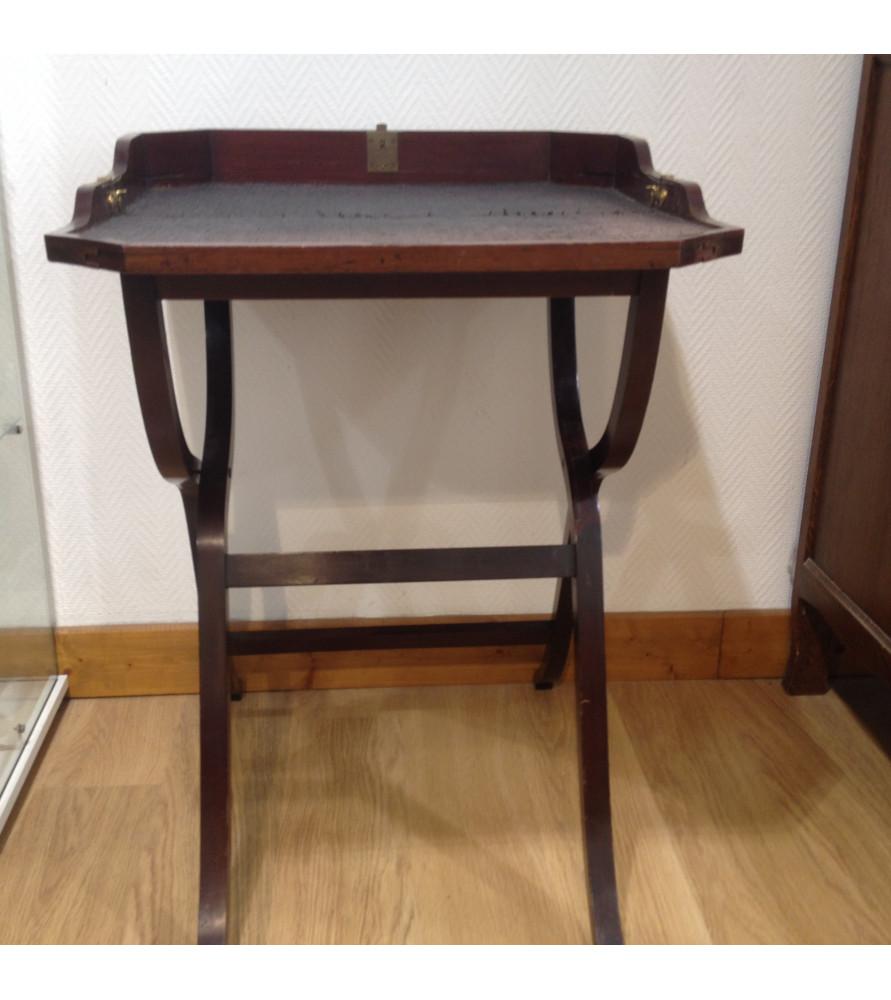 table d 39 appoint vendue par notre petite brocante valence. Black Bedroom Furniture Sets. Home Design Ideas