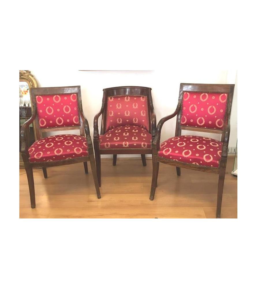 Suite de trois fauteuils Dauphins style empire