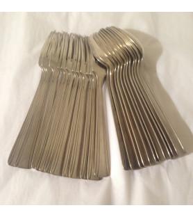 Couverts en métal argenté Style Louis XVI