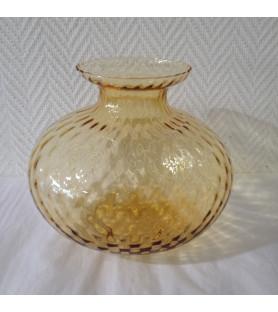 Vase en verre dans le goût de Venise