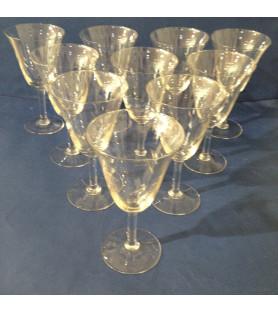 Grands verres à pied en verre gravé