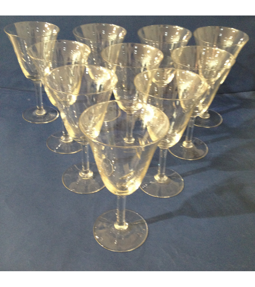 Verres à vin à pied en verre gravé