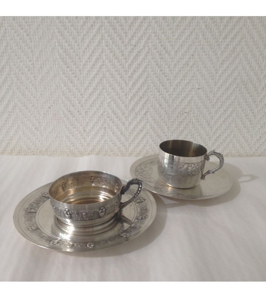 Tasses à café en métal argenté