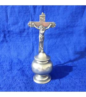 Bénitier avec un crucifix vendu par Notre petite brocante Valence