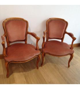 Paire de petits fauteuils cabriolet style louis XV