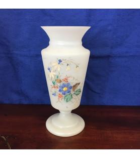 Grand vase en opaline
