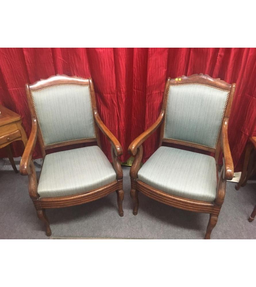 Paire de fauteuils à crosse époque restauration