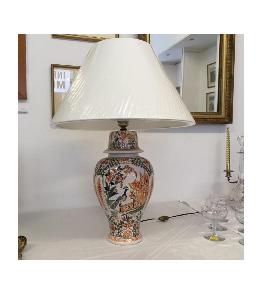 lampe porcelaine chinoise vendue par notre petite brocante. Black Bedroom Furniture Sets. Home Design Ideas
