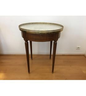 Table bouillotte en acajou de style Louis XVI