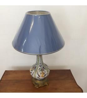 Lampe de salon en faïence et bronze doré