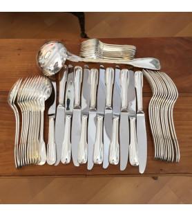 Ménagère en métal argenté 49 pièces filets