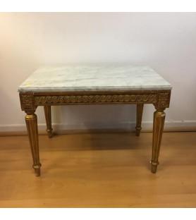 Petite table en bois doré style Louis XVI