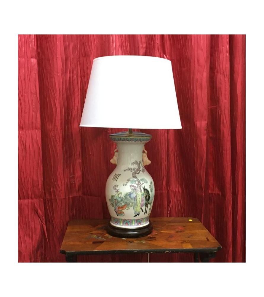 Lampe en porcelaine à décor chinois