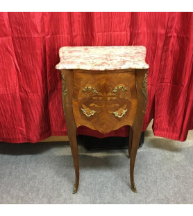 Petite commode de salon de style Louis XV