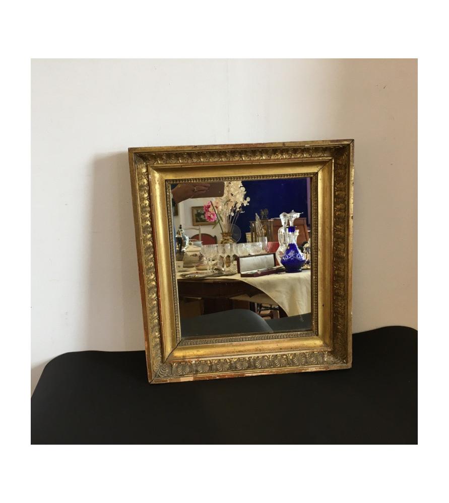 """Miroir en bois doré époque """"Restauration"""""""