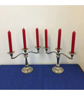 Paire de chandeliers en métal argenté
