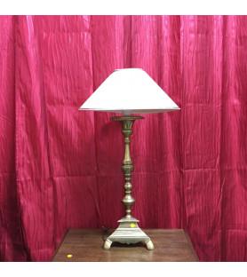 Pique cierge en bronze monté en lampe