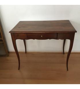 Table de style Louis XV