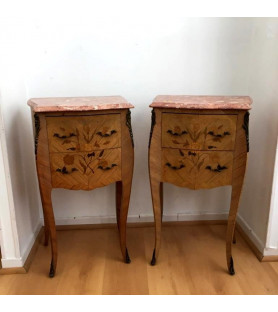Paire de chevets style Louis XV en marqueterie de bois de rose